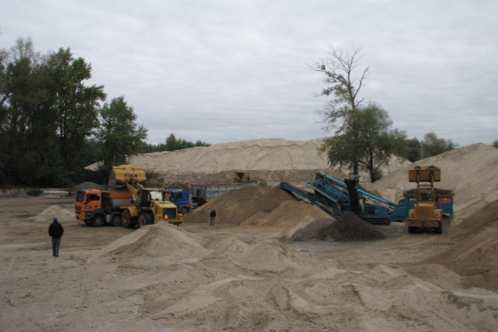 załadunek piasku w piaskowni Warszawa