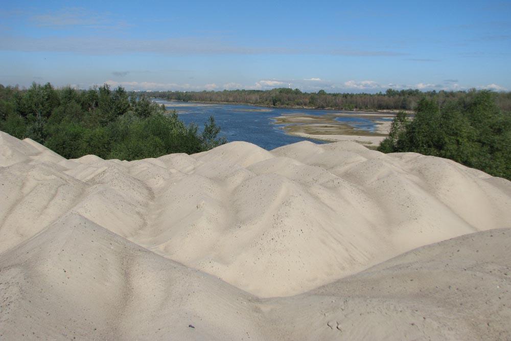 hałdy składowe piasku rzecznego